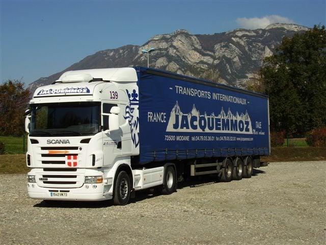 Les Transports Jacquemmoz ont décidé d'utiliser la solution de géolocalisation de véhicules Quartix pour sa simplicité d'utilisation