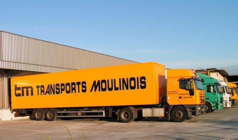 Grâce à la solution de géolocalisation de véhicules Quartix, Les Transports Moulinois peuvent optimiser les itinéraires des conducteurs pour économiser du temps et de l'argent